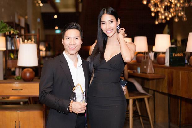 Vì thế, lần này người đẹp đến để chúc mừng tạp chí Forbes Việt Nam, đồng thời chia vui cùng những bạn trẻ thành đạt của Việt Nam.