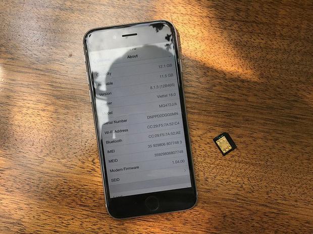 """iPhone lock là lại iPhone có giá bán thấp nhất tại Việt Nam. Khi kết hợp với """"SIM ghép thần thánh"""", người dùng có thể trải nghiệm máy như bản quốc tế."""