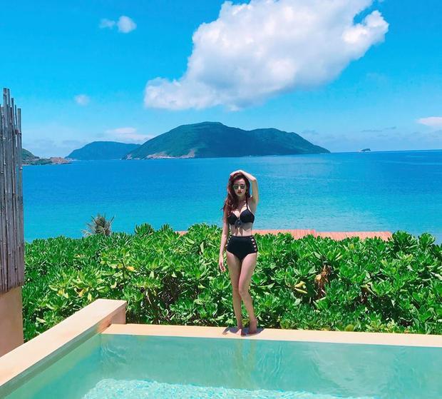 Được biết, những hình ảnh nóng bỏng này được Midu ghi lại trong chuyến đi nghỉ dưỡng tại Côn Đảo.