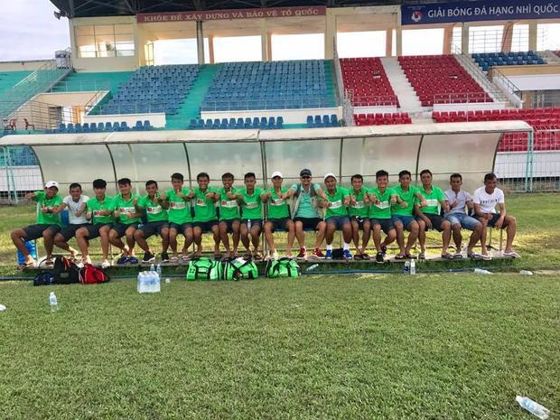 Thực tế thì CLB Mancons Sài Gòn chán cách làm của VFF nên bỏ giải, không đăng ký các thủ tục để tranh tài.