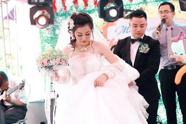 Cô dâu thì xinh đẹp