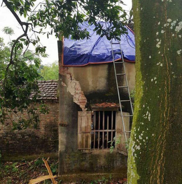Ngôi nhà bị sét đánh.