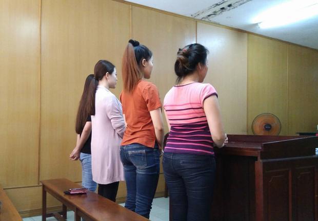 Các bị cáo trong phiên hầu tòa diễn ra vào hôm nay 26/4.