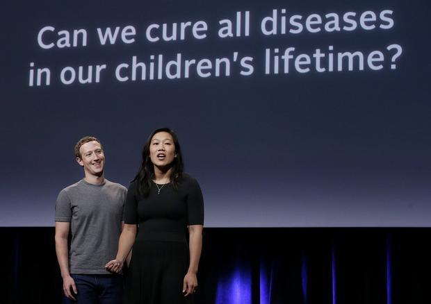 """Tháng 9 năm 2016, cặp đôi này cũng đóng góp 3 tỷ USD cho các hoạt động nghiên cứu, chữa trị bệnh, """"Liệu chúng tôi có thể giúp để chưa trụ tất cả các bệnh dịch trong cuộc đời các con chúng tôi không?"""" Mark viết trên Facebook. """"Tôi lạc quan rằng mình có thể."""""""