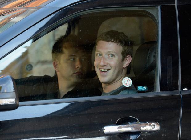 Nhiều hành động của Mark Zuckerberg này đã làm hàng xóm cáu điên. Anh được cho là đã thuê nhiều người ngồi trong những chiếc xe đỗ bên cạnh căn hộ này vào ban đêm để giữ chỗ để xe cho các công nhân xây dựng.