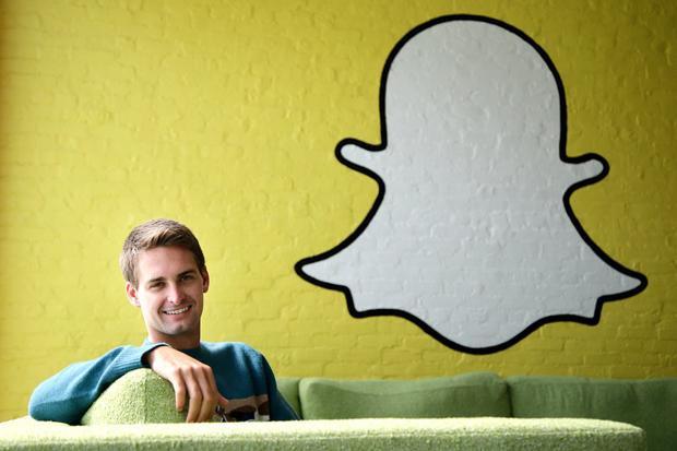 Thế nhưng ngay cả Mark Zuckerberg không phải khi nào cũng có được thứ mình muốn: Anh từng cố gắng mua Snapchat với 3 tỷ USD vào năm 2013 nhưng CEO Evan Spiegel đã từ chối.