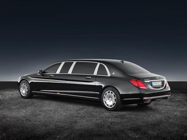 Mercedes-Benz S600 Pullman Guard đề cao việc bảo vệ người ngồi bên trong với hệ thống khung thép bảo vệ tích hợp bên trong thân xe cùng nhiều lớp bảo vệ khác được bổ sung ở các vị trí trọng yếu. Gầm xe cũng được gia cố để chịu được cả những vụ nổ bom. Xe đạt tiêu chuẩn chống nổ ERV2010. Có thể bạn cũng sẽ bất ngờ khi biết chiếc Mercedes-Benz S600 Pullman Guard có thể chạy được với tốc độ 80 km/h ngay cả khi nổ lốp.