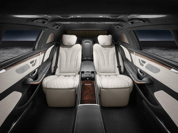 Tổng thống Nga Vladimir Putin, Tổng thống Hàn Quốc Moon Jae-in… cũng đang dùng chiếc xe này.