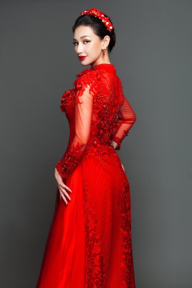 Diện áo dài cưới, MC Quỳnh Chi đẹp như tiên nữ, ai nhìn cũng phải ngẩn ngơ