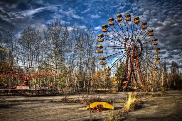 Công viên Pripyat ở Ukraine chỉ hoạt động trong vài giờ sau thảm họa hạt nhân ở khu vực Chernobyl năm 1986. Sau 3 thập kỷ bị bỏ hoang, công viên này trở nên bí ẩn đến lạ lùng, trở thành bối cảnh độc đáo cho bộ phim kinh dị Chernobyl Diaries và nhiều trò chơi điện tử khác như S.T.A.L.K.E.R.: Shadow of Chernobyl, Call of Duty 4: Modern Warfare…