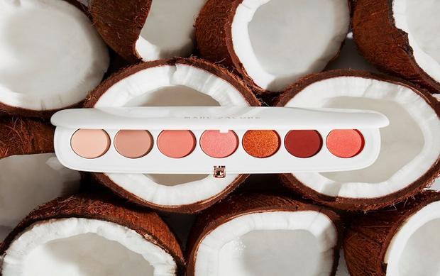 Bộ sưu tập Marc Jacobs Beauty Coconut Fantasy lấy cảm hứng từ hương dừa nhiệt đới