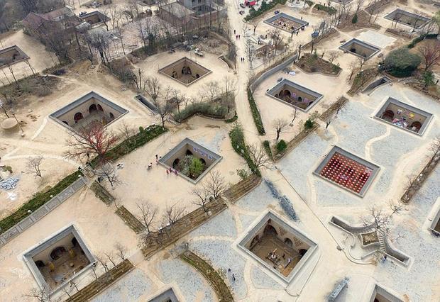 Ngôi làng nhìn từ trên cao xuống. Ảnh: Shutterstocks