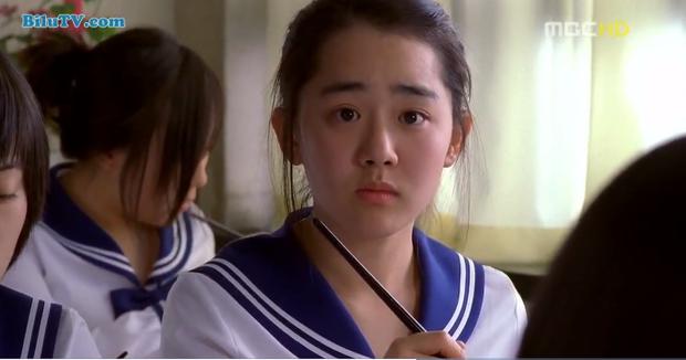"""""""Cô dâu 15 tuổi"""" vô cùng đáng yêu, sản xuất năm (2004)."""
