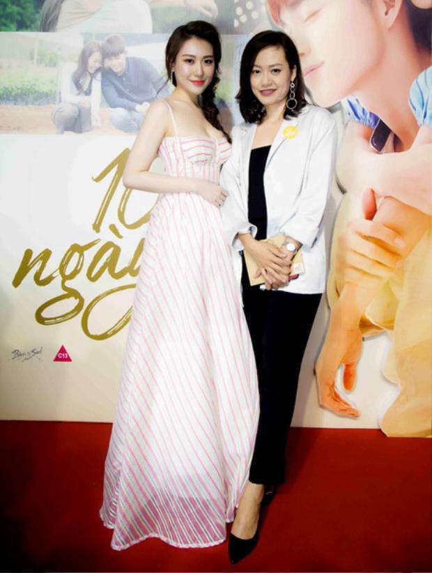 Trái ngược với người bạn đang đứng cạnh, nữ diễn viên Hồng Ánh bị đánh giá là khá xuề xòa khi tham dự sự kiện.