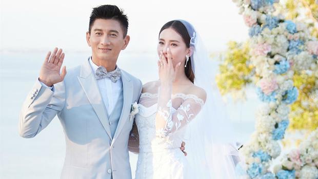 Hôn nhân đẹp nhưng ở tuổi 48, Ngô Kỳ Long vẫn chưa có con.