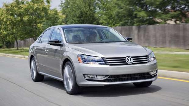 10. Volkswagen Passat: Dòng xe Volkswagen Passat đã đi qua bảy thế hệ - cùng doanh số 15,5 triệu xe bán ra - kể từ khi được giới thiệu lần đầu vào năm 1973. Passat là dòng xe gia đình từng rất được yêu thích khi mang đến một cảm giác sang trọng cho người dùng ở một tầm giá phải chăng.