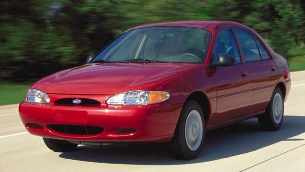 7. Ford Escort: Ford Escort được giới thiệu tại Mỹ vào năm 1981 nhưng trước đó từng làm mưa làm gió tại các thị trường Châu Âu kể từ những năm 1968. Trên phạm vi toàn câu, 18 triệu chiếc Ford Escort theo đó đã được tiêu thụ.