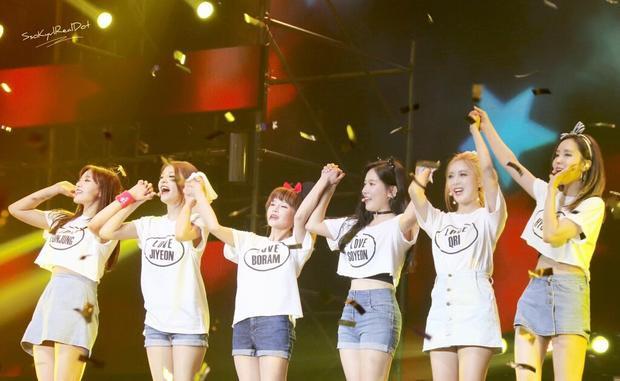 Nếu ai muốn được tận mắt chứng kiến những màn trình diễn tuyệt vời nhất thì hãy đến với concert của T-ara. Bởi vì các cô gái luôn dành những sân khấu hoành tráng cho Queen's (tên fandom T-ara).