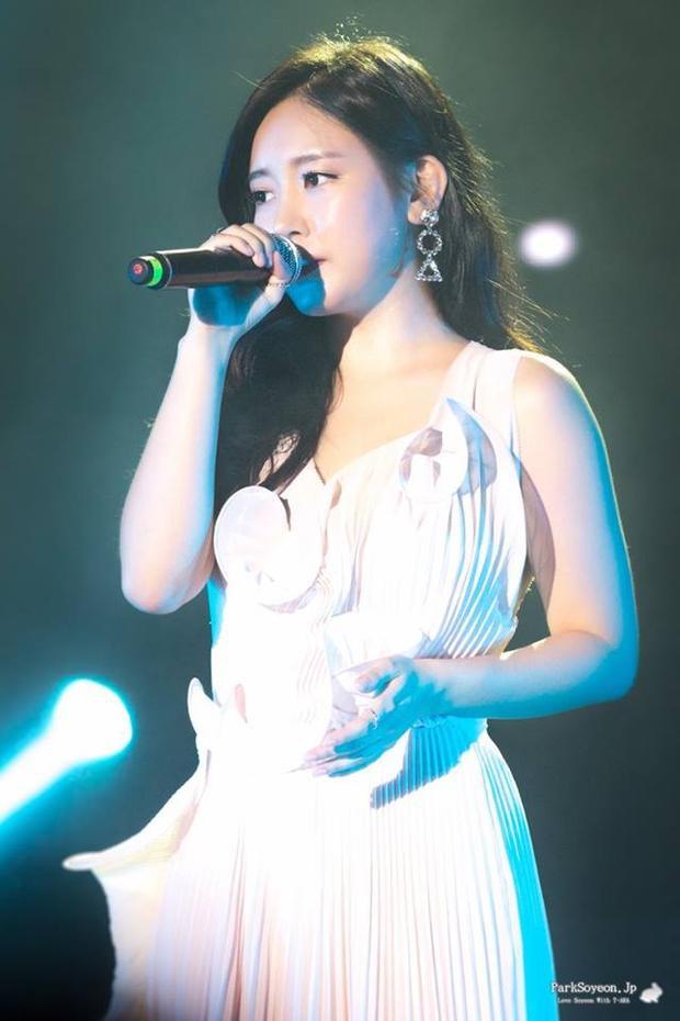 Soyeon thì đằm thắm với giọng hát sâu lắng đi vào lòng người.