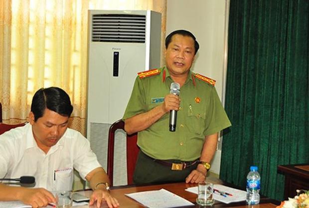 Đại tá Nguyễn Văn Thuận phát biểu tại buổi họp báo. Ảnh: Tiền Phong