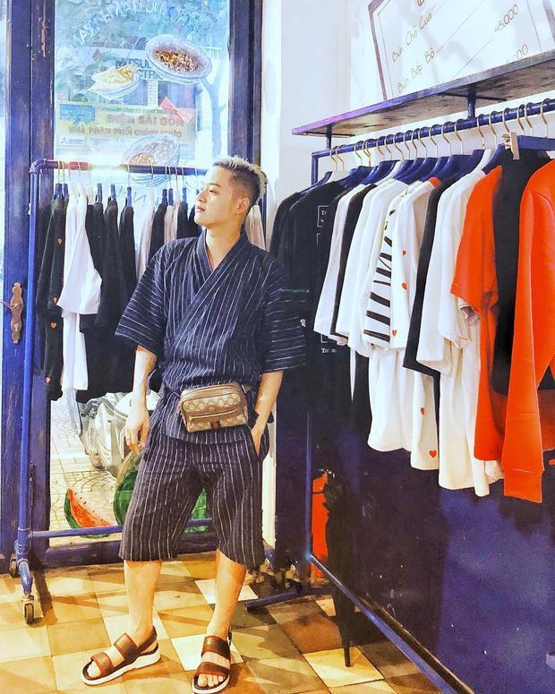 Thanh Duy trông lạ mắt khi mix chiếc fanny pack đắt giá của Gucci chung với cả cây kimono của Nhật.