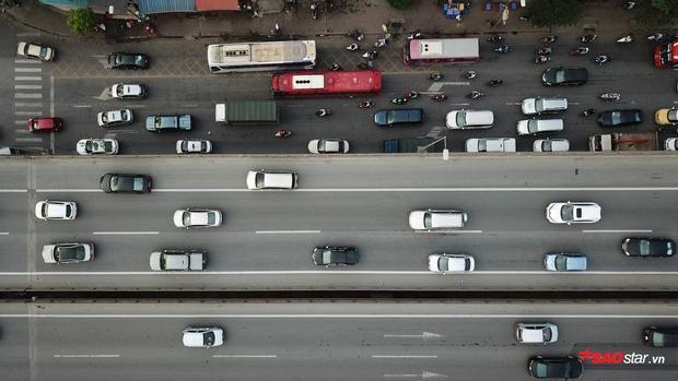 Từ đầu giờ chiều tình trạng đông đúc xe cộ trở lại Hà Nội đã diễn ra.