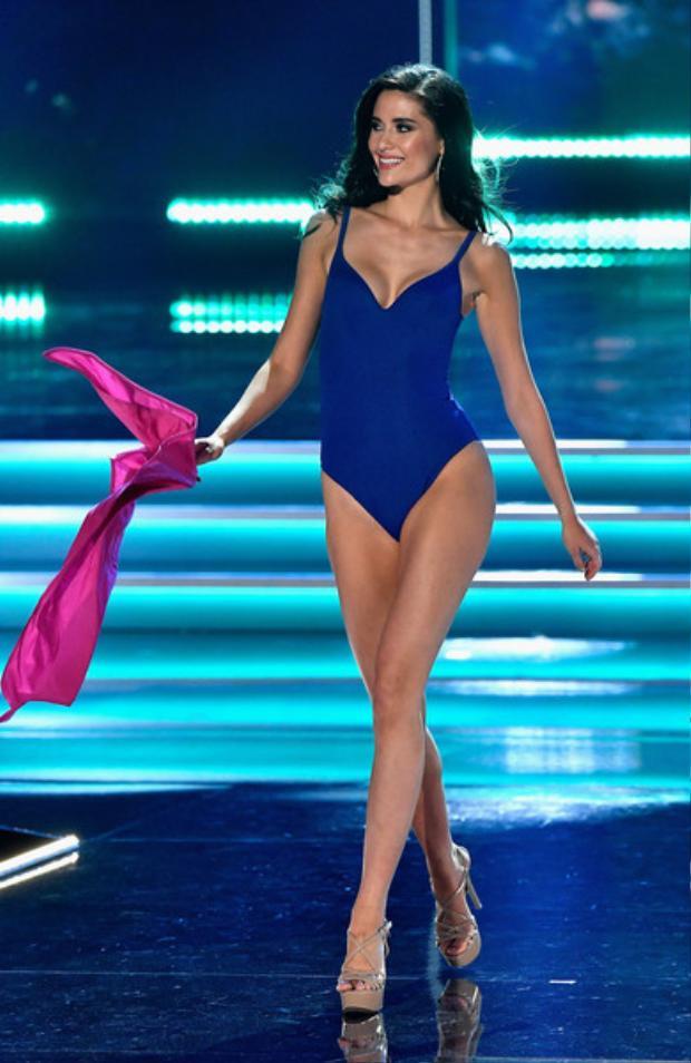 Trước đó chuyên trang Global Beauties cũng đã công bố 4 gương mặt trong nhóm 13 tiếp tục đi tiếp vào vòng hai. Trong ảnh là Hoa hậu Hoàn vũ Thái Lan - top 5 Miss Universe 2017. Cô đang là cái tên sáng giá cho ngôi vịMiss Grand Slam năm nay.