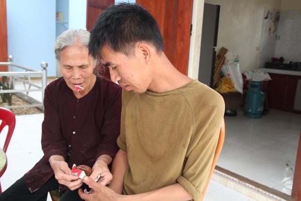 Cuộc sống sang trang mới của mẹ già 79 tuổi từng có ý định cho 6 con dại ăn một bữa thật no rồi uống thuốc độc cùng chết