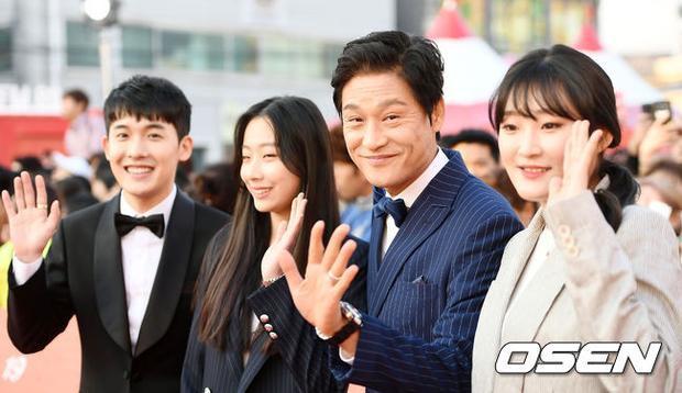Các diễn viên Byeonchang, Yang Joa, Park Jeong Hak và Lee Tae Kyung