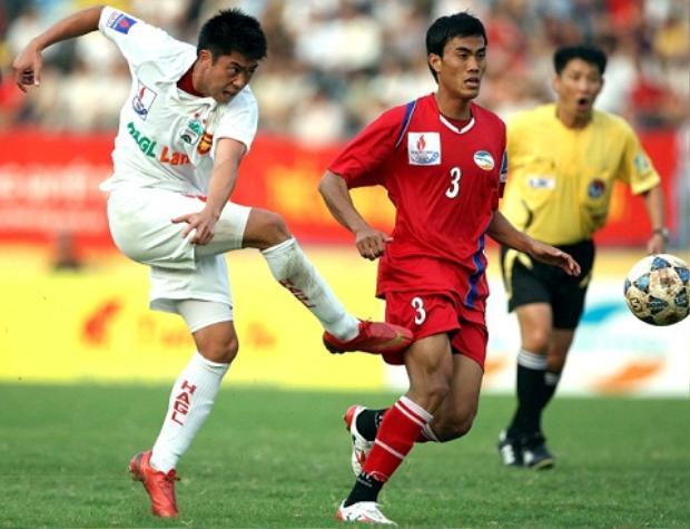 Lee Nguyễn trong màu áo Hoàng Anh Gia Lai (2009-2010)