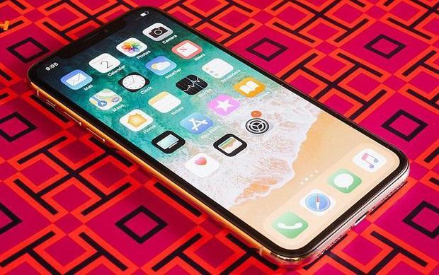 Thông tin về một chiếc iPhone mang lại trải nghiệm tương tự iPhone X, có màn hình lớn hơn nhưng giá chỉ bằng trên dưới một nửa đang khiến nhiều iFan đứng ngồi không yên.
