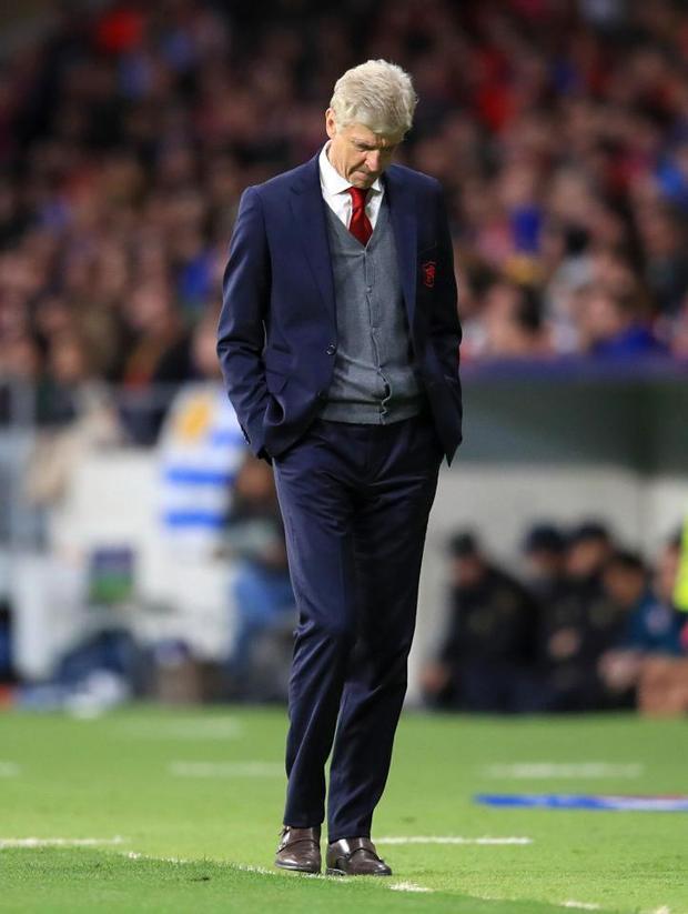 Wenger đã không có một cái kết đẹp với đội bóng 22 năm từng gắn bó.
