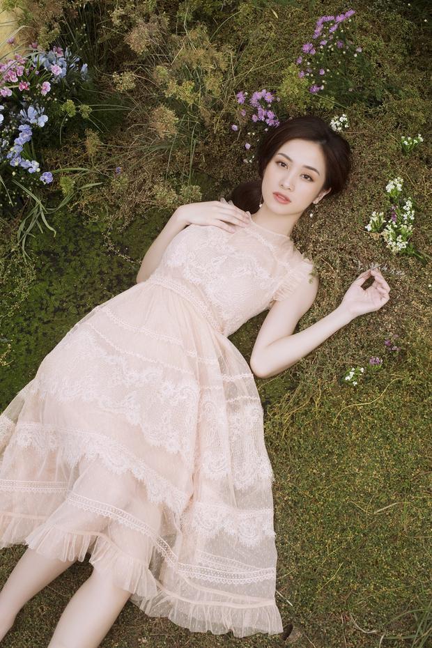 Chiếc đầm này sẽ giúp các nàng nổi bật trong những chuyến du lịch hay khi đi dạo phố.