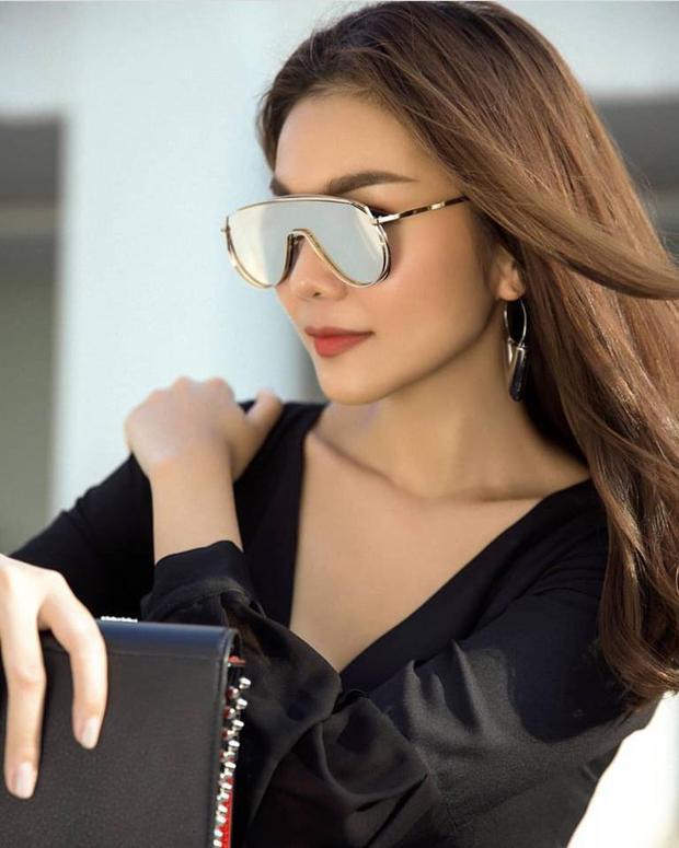 Thanh Hằng cũng đã nhận ra vẻ đẹp của chiếc kính này và sở hữu trước đó khá lâu.
