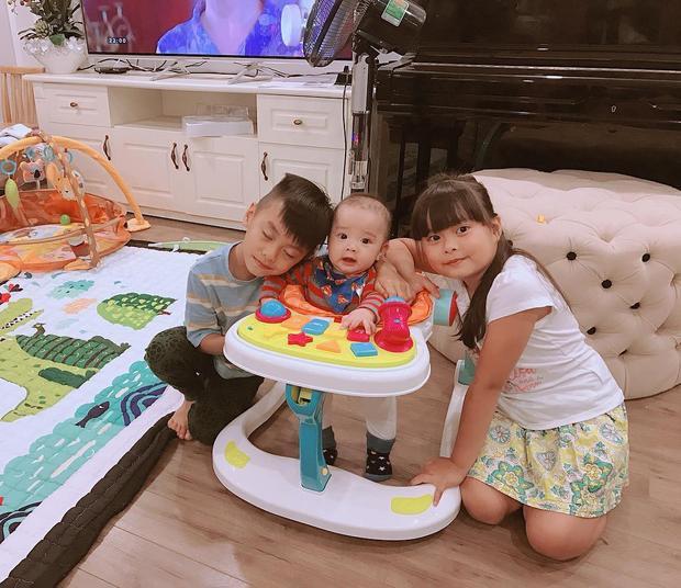 3 đứa bé đáng yêu của Hằng Túi.