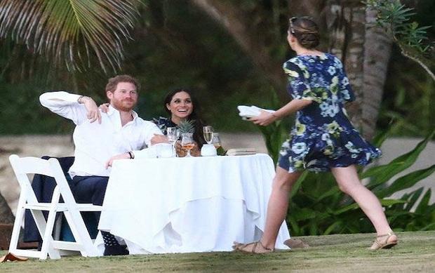 Cặp đôi Hoàng tử - Công chúa trong mơ chính là đây: Meghan Markle và Hoàng tử Harry cùng nhau duy trì lối sống lành mạnh trước đám cưới