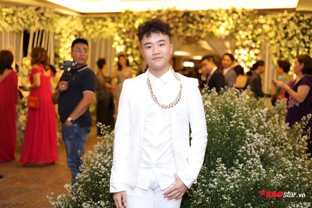 Hoàng Anh Đoraemon sành điệu.