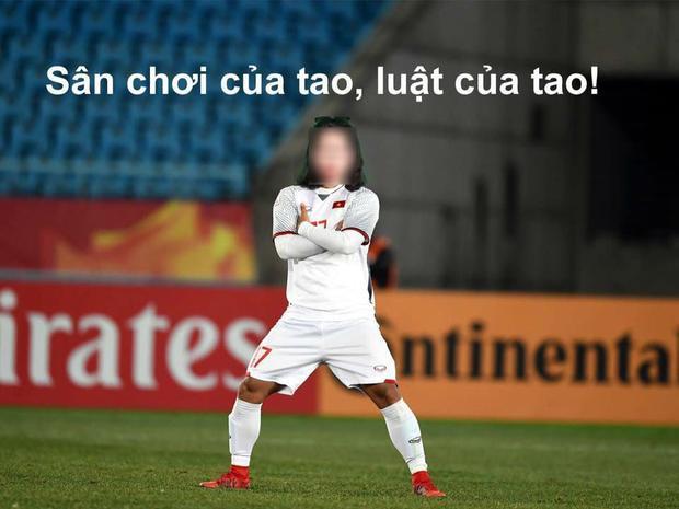 """Để rồi dáng đứng """"cool ngầu"""" của Văn Thanh khi ăn mừng sau cú sút penalty quyết định ở trận bán kết gặp U23 Qatar cũng được gắn với cô K.T."""