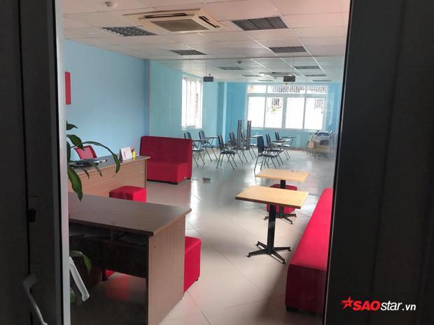 Cả ba cơ sở ở các tuyến phố Phạm Văn Đồng, Trần Phú (Hà Đông), Bạch Mai của trung tâm này đều đóng cửa.