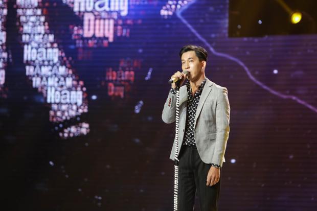 Lê Minh Sơn ứa nước mắt khi nghe Phạm Hoàng Duy hát ca khúc tưởng niệm Jonghyun (SHINee)