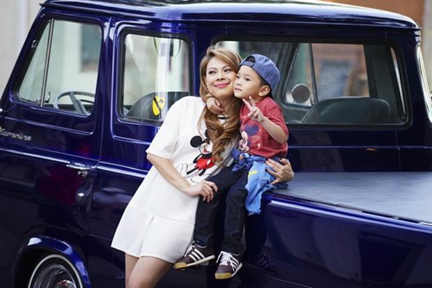 Thanh Thảo không chỉ nhận Jacky Minh Trí làm con nuôi, đưa sang Mỹ ăn học và hưởng cuộc sống sung túc mà còn lập luôn di chúc để lại toàn bộ tài sản cho cậu bé.