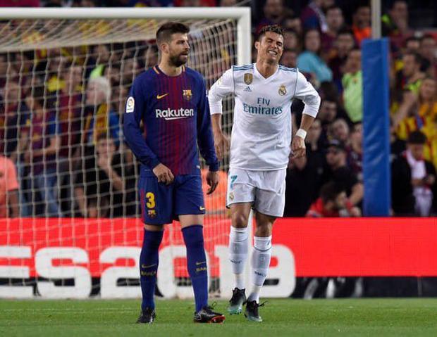 Ronaldo tỏ ra cực kỳ đau đớn.