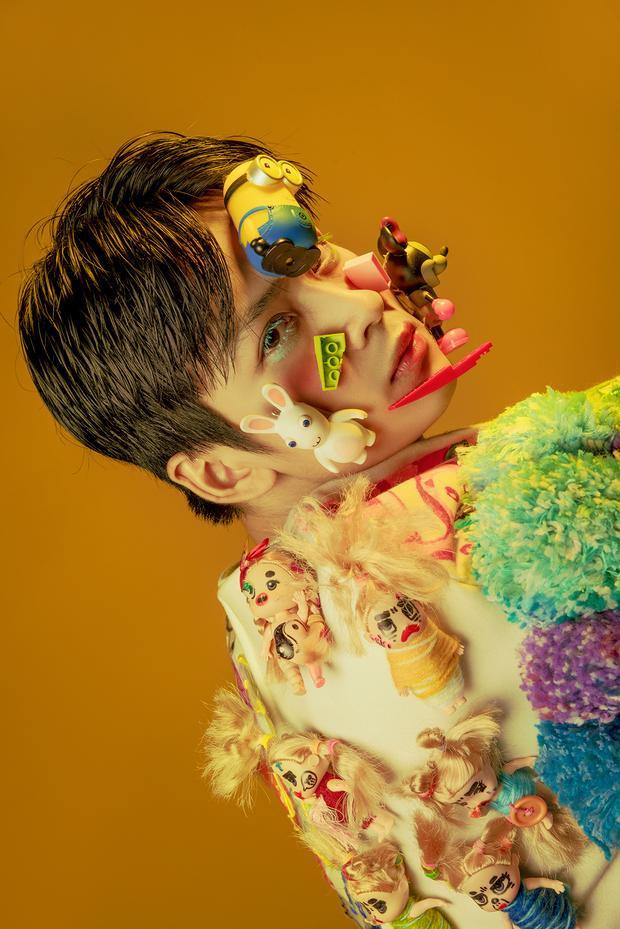 """Bộ ảnh """"Tokyo Dream - Memorie of Harajuku"""" của nhiếp ảnh gia Minhnhon (Lê Nguyễn Tuấn Minh) chụp diễn viên điện ảnh Trần Nghĩa đã được tạp chí Vogue Italy đăng tải ngày 30/4/2018."""