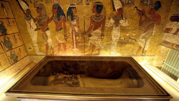 Thi hài củaHoàng hậu Nefertiti được hy vọng là nằm đằng sau bức tường này, ngay bên cạnh thi hài PharaonTutankhamun. Ảnh: Reuters