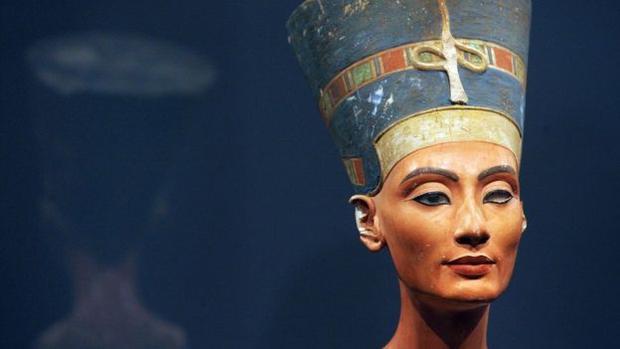 Bức tượng bán thân củaHoàng hậu Nefertiti. Ảnh: AFP
