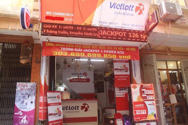 Đại lý Vietlott, nơi bán vé độc đắc Jackpott trúng gần 304 tỷ đồng tại Hà Nội. (Ảnh: Hồng Vân)