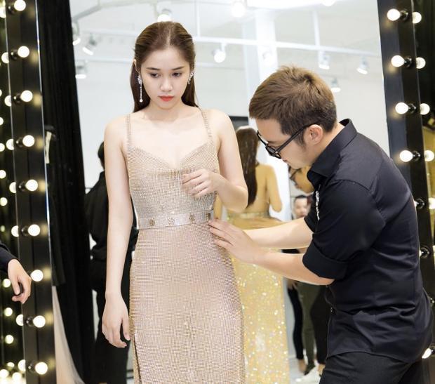 Không phải váy áo tiền tỷ, Quỳnh Hương chọn trang phục này để dự LHP Cannes 2018