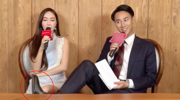 Rocker Nguyễn từng bị chỉ trích nặng nề vì thể hiện thái độ thiếu tôn trọng khi phỏng vấn Jessica.