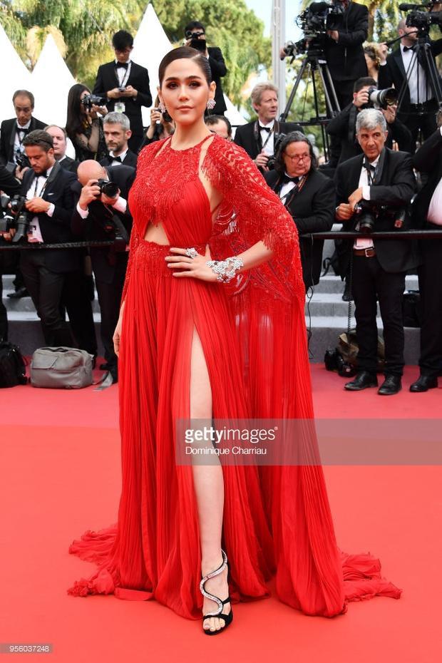 Xuất hiện tại thảm đỏ Cannes nhiều năm liền với tư cách là gương mặt đại diện cho thương hiệu mỹ phẩm hàng đầu thế giới, mỹ nhân Thái Lan luôn thu hút sự chú ý của giới truyền thông.