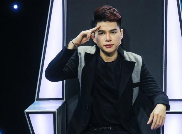 Hoàng Tôn cũng là nam ca sĩ bị anti-fan thường xuyên chọc ngoáy.